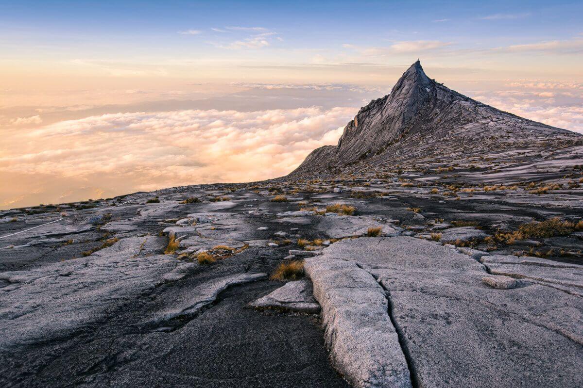 uitzicht vanaf mnt Kinabalu