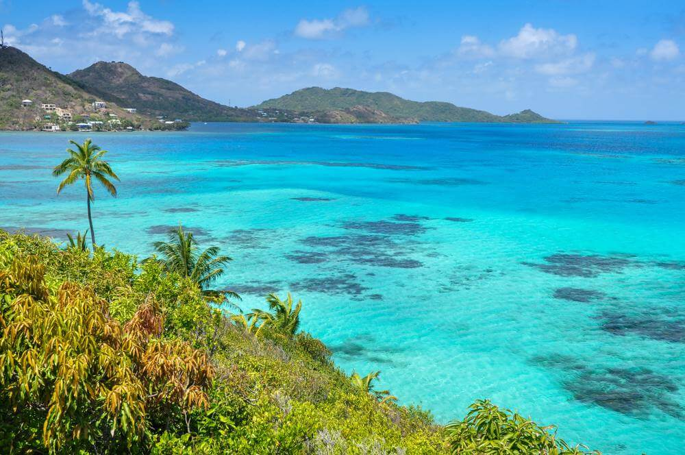 Helder zeewater in Caribbean