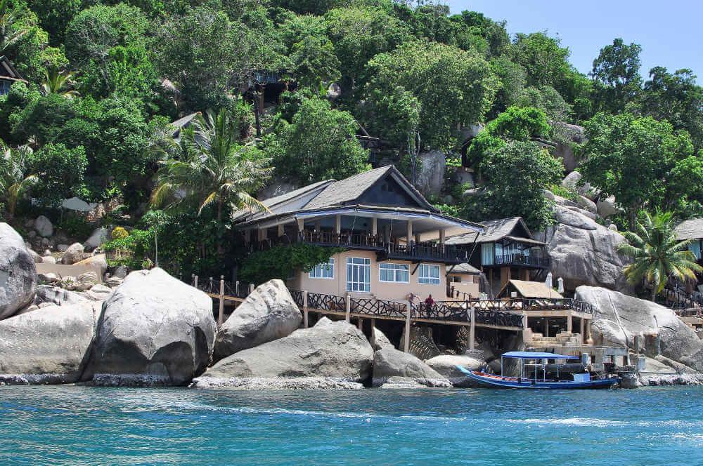 Een huis op de rotsen van Koh Tao