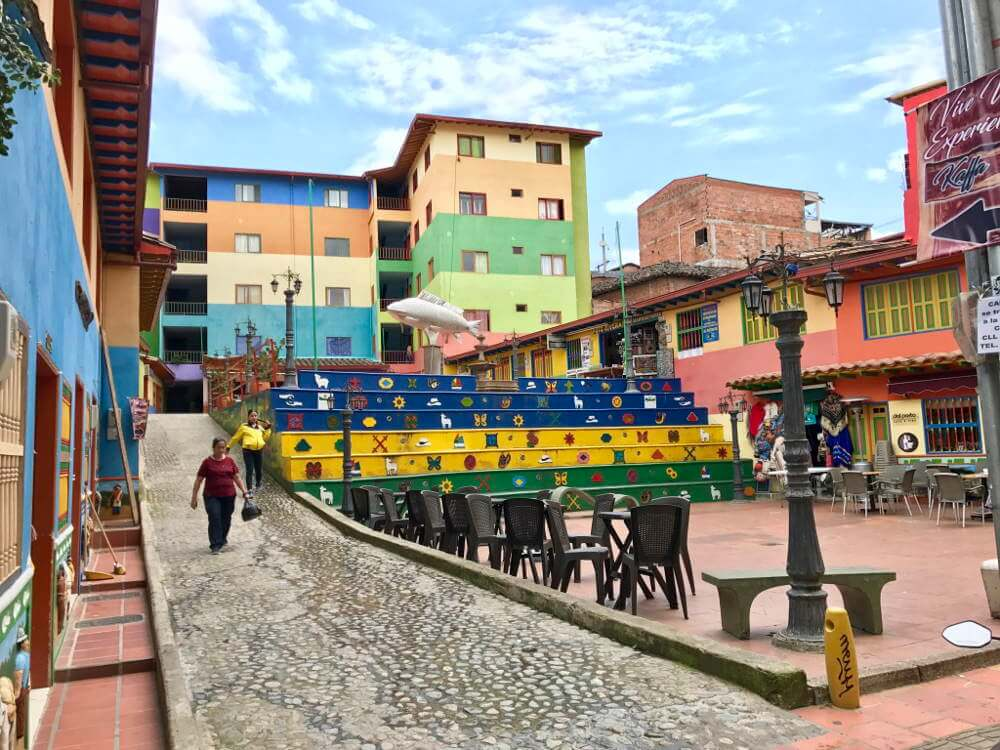 Plazoleta de Los Zócalos in Guatape
