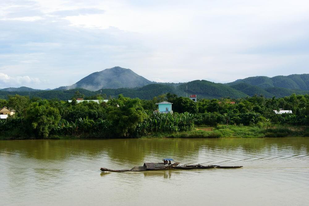Perfurme River Hue