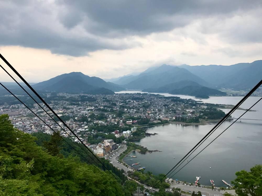 uitzicht vanaf het viewpoint in Kawagushiko