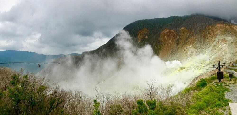 Owakudani Vallei met zwavel krater