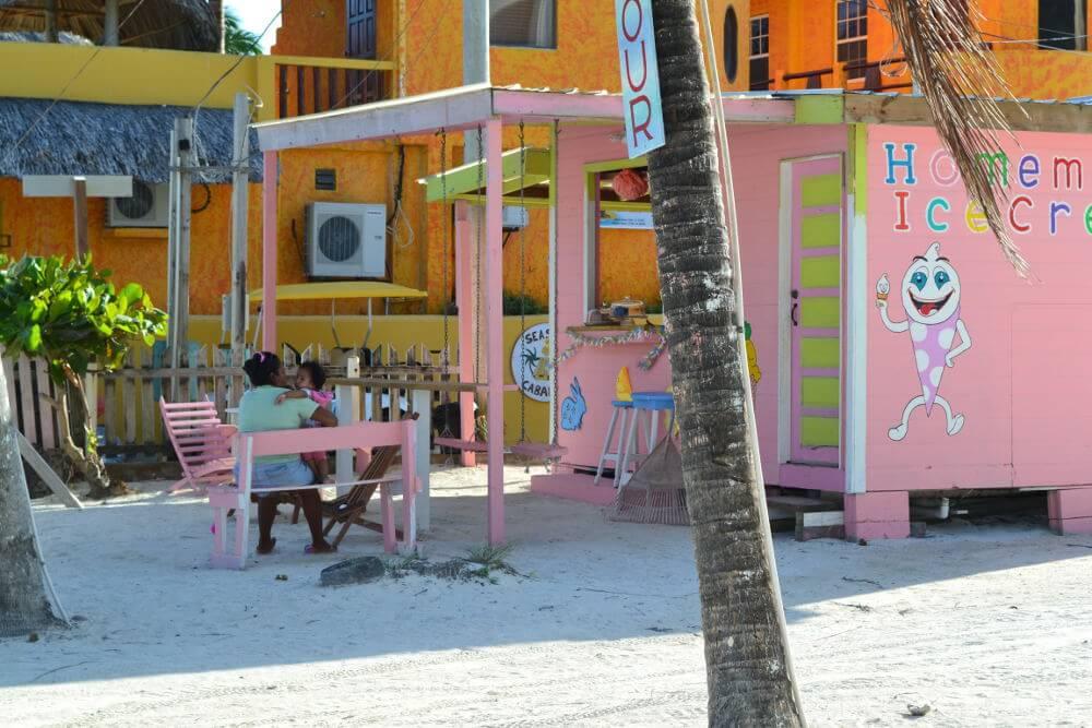 kleurijke huizen Belize