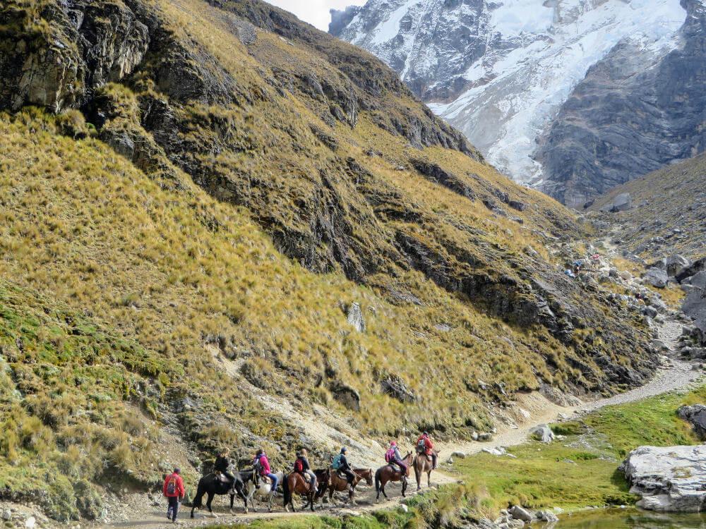Wandelen door de bergen van Salkantay