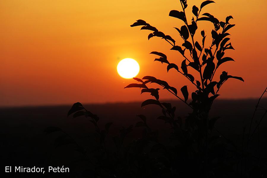 zonsondergang bij El Mirador
