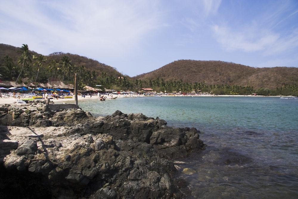 Lost Gatos beach Zihuatanejo Mexico