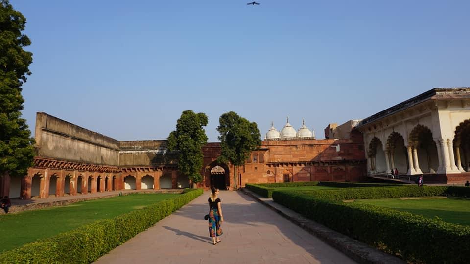 alleen reizen vrouw in India